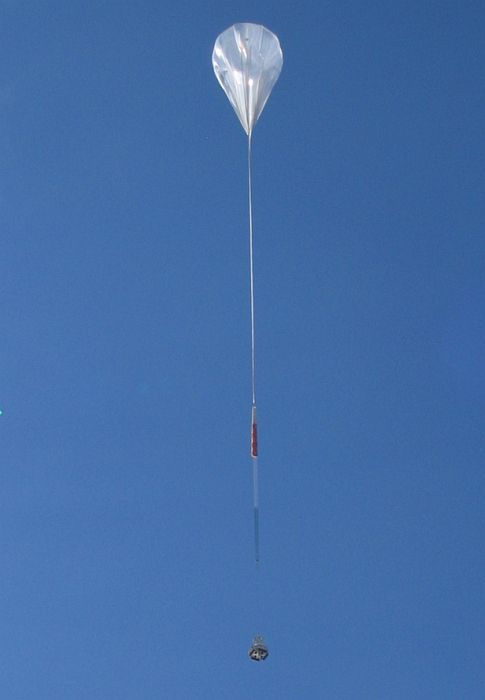 Balloon ascending (Thanks to Jeff Kowalski - http://www.phys.hawaii.edu/~kowalski/)