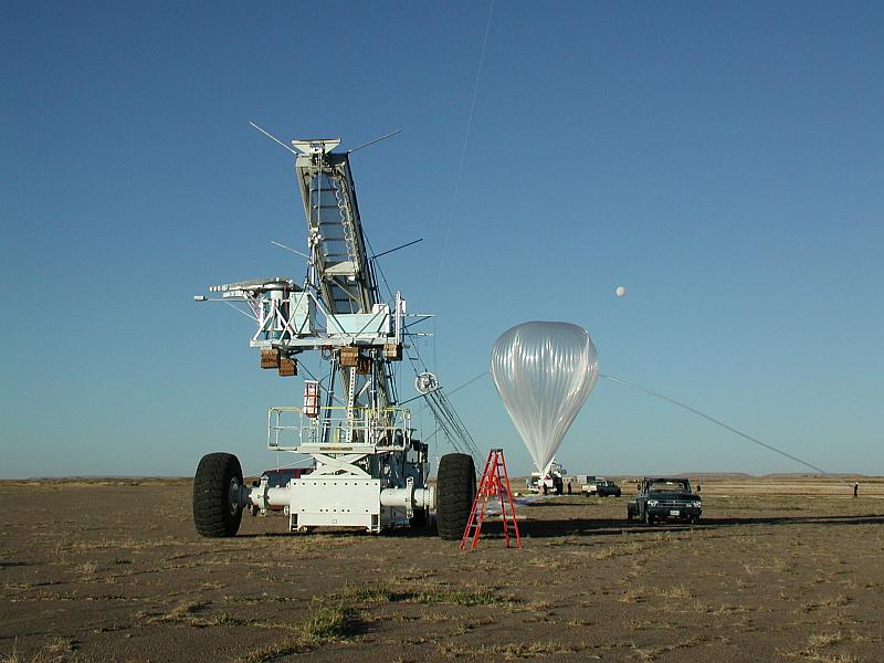 View of the payload and the balloon