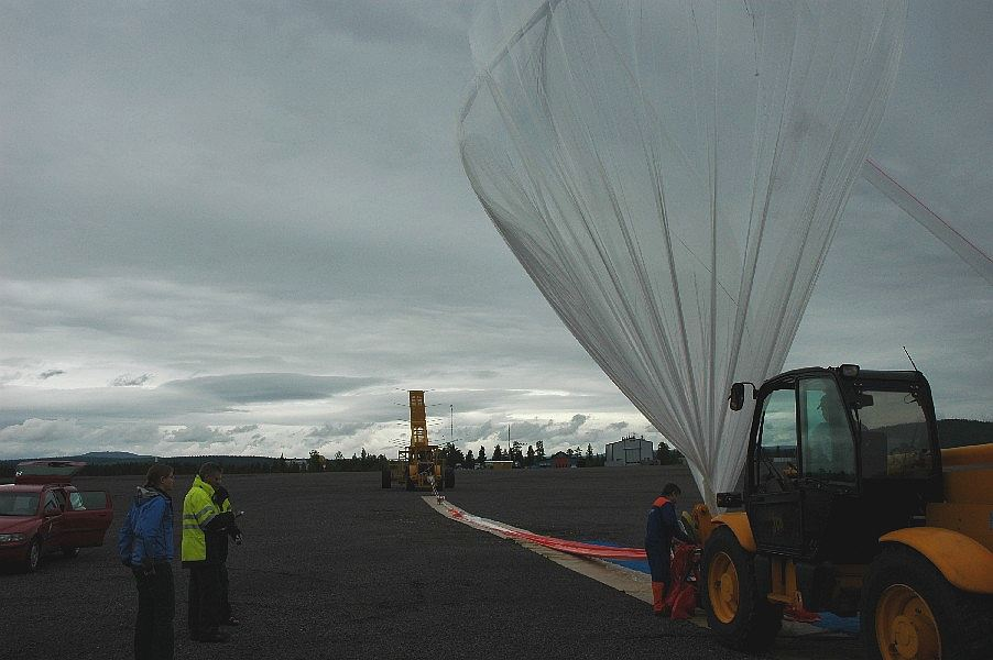 After launch decision is made, starts the filling of the balloon. Is flight or die!