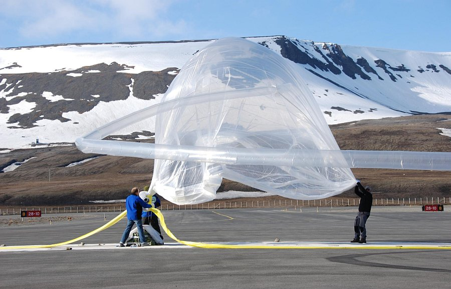 A closer view of the DUSTER balloon during inflation on the runway to Svalbard Airport (Picture: Mr Petter Dragøy / Andoya Rocket Range)