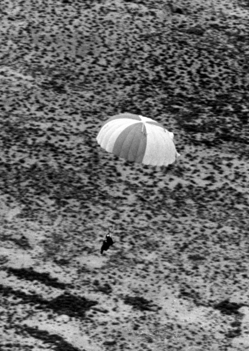 Kittinger near landing after completing his jump.