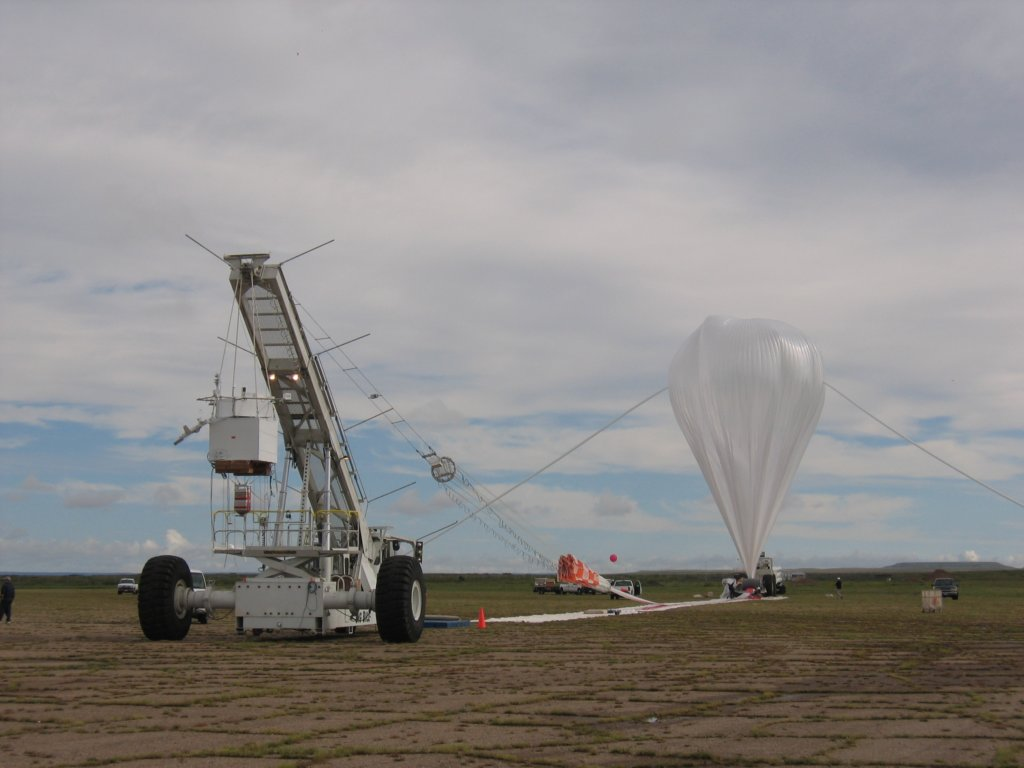 View of the flight line including the full inflated balloon, minutes before the launch