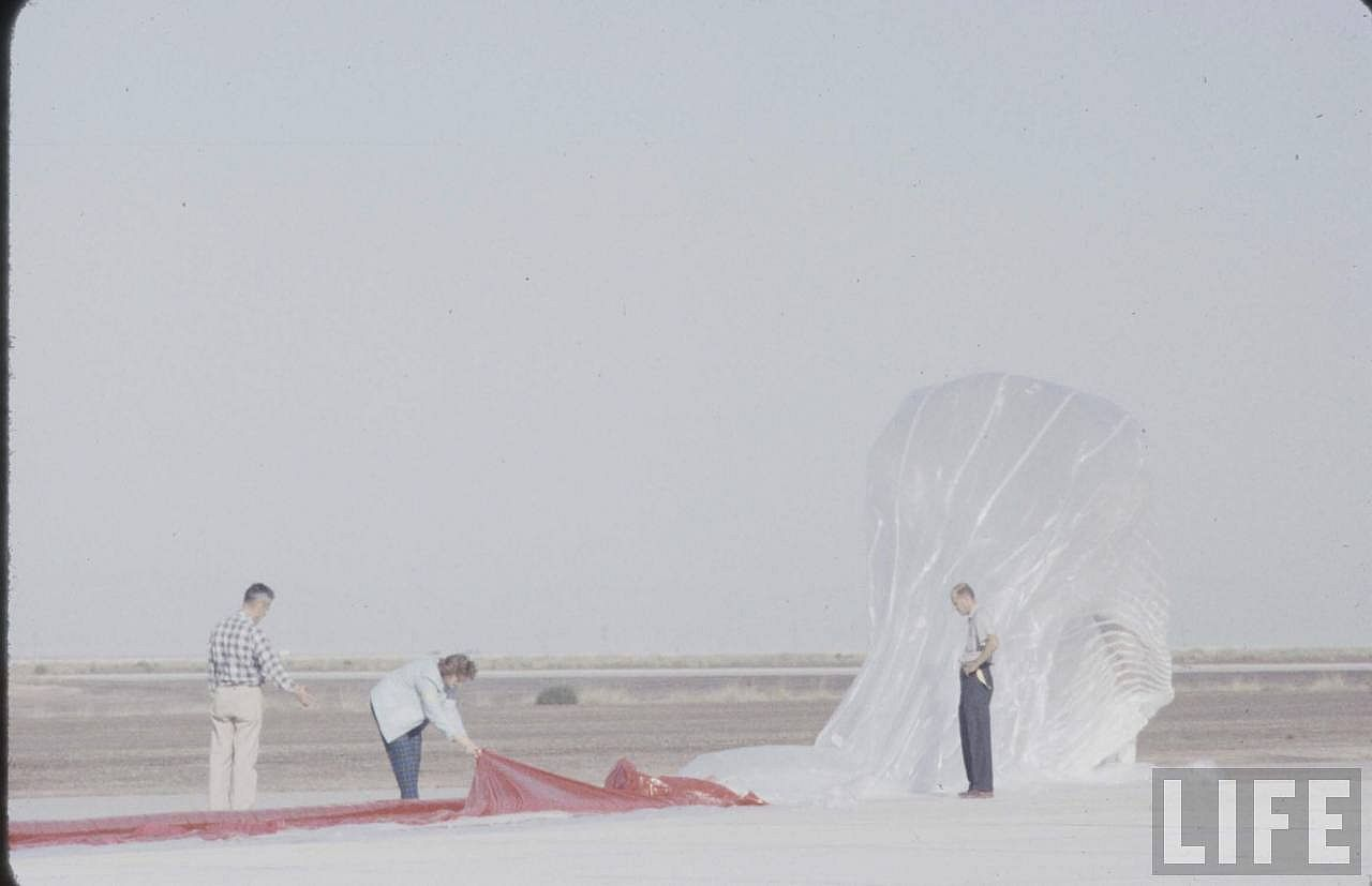 Balloon layout on the ground before start the inflation. (Image courtesy of LIFE archive on Google)