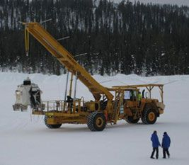 Hang test of the MIPAS gondola a day before the launch (Image:SSC)