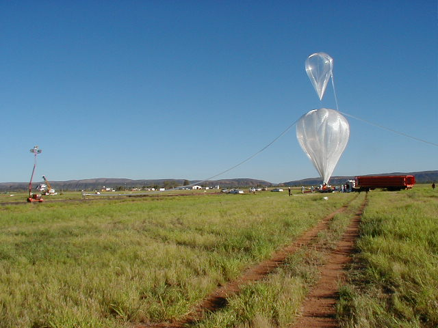 ULDB balloon a few minutes before the launch.