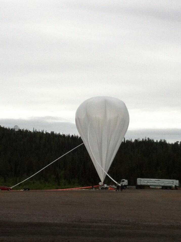 Balloon inflation almost complete. The balloon had a volume of 1.200.000 cubic meters (Picture: Mark Pearce)