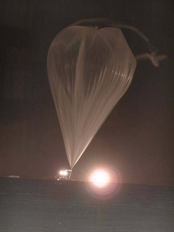 The main balloon full inflated near the release