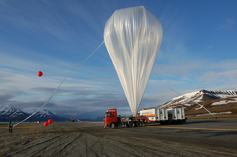 View of the balloon fully inflated. It was the largest balloon ever launched in Svalbard (Copyright: Steven Peterzen)