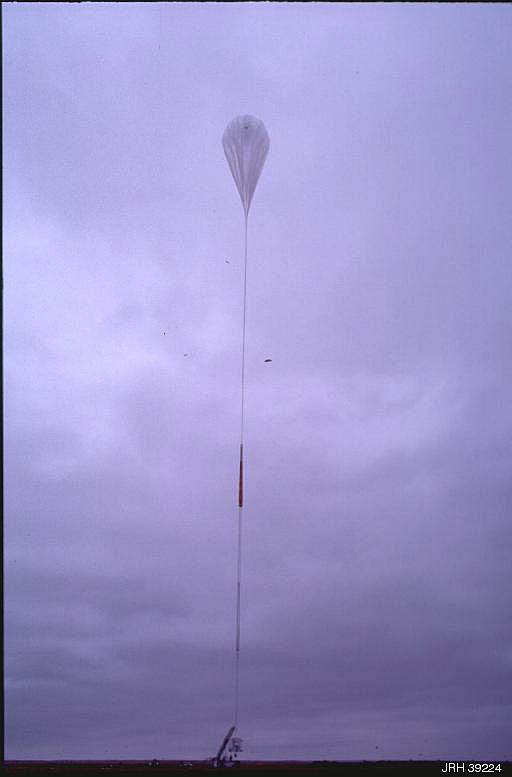 The balloon, aligned with the launch vehicle preparing for take the payload