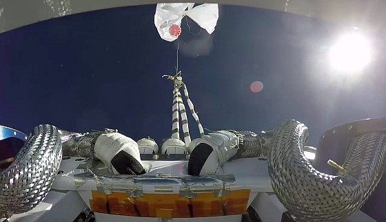 View of the STARLINER separation from the balloon taken by an up-looking camera (Image: Boeing)