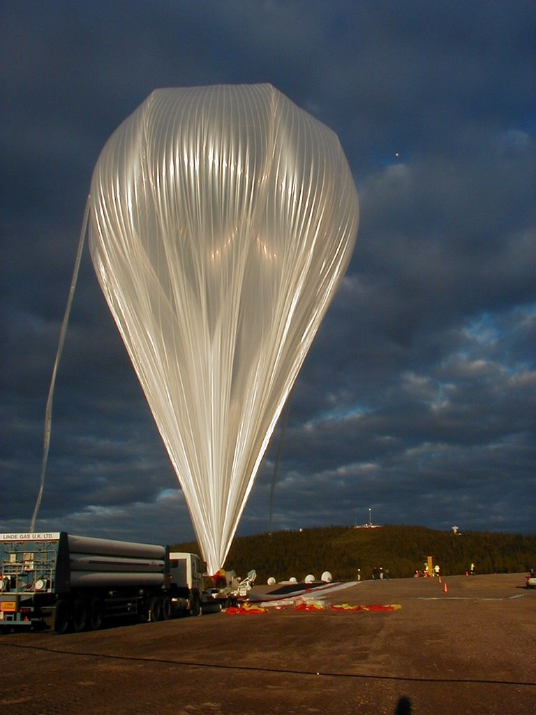 View of the balloon fully inflated waiting for launch. (Image: Mike Smith)