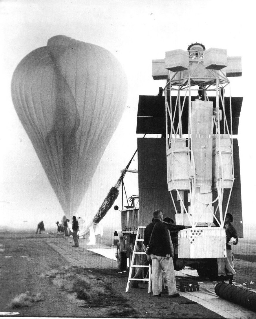 The fully inflated balloon minutes before the launch