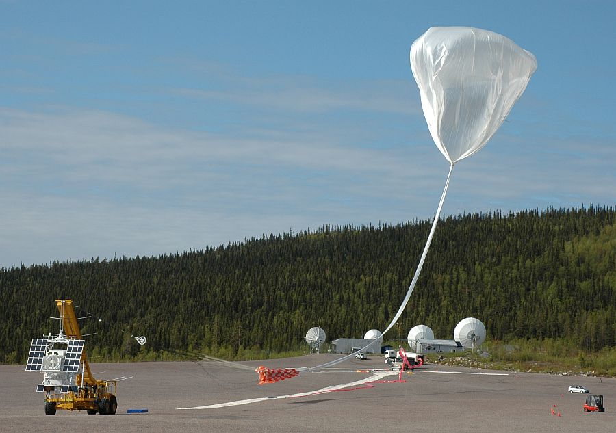 The balloon was released and is moving downwind to take the payload (Image: SSC)